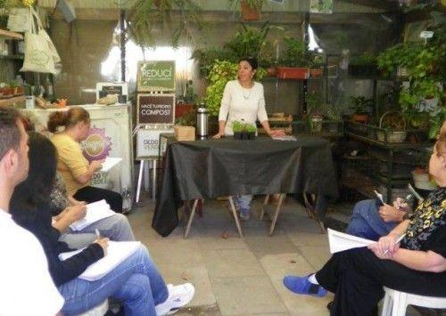 Radio solar conectados con lo natural radio online for Vivero organico