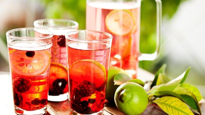 Agua saborizada casera saludable facil rica y for Aguas frescas citricas naturales con